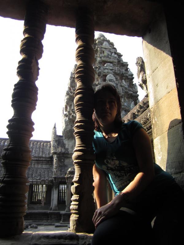 Gen qui pose aux Temples d'Angkor