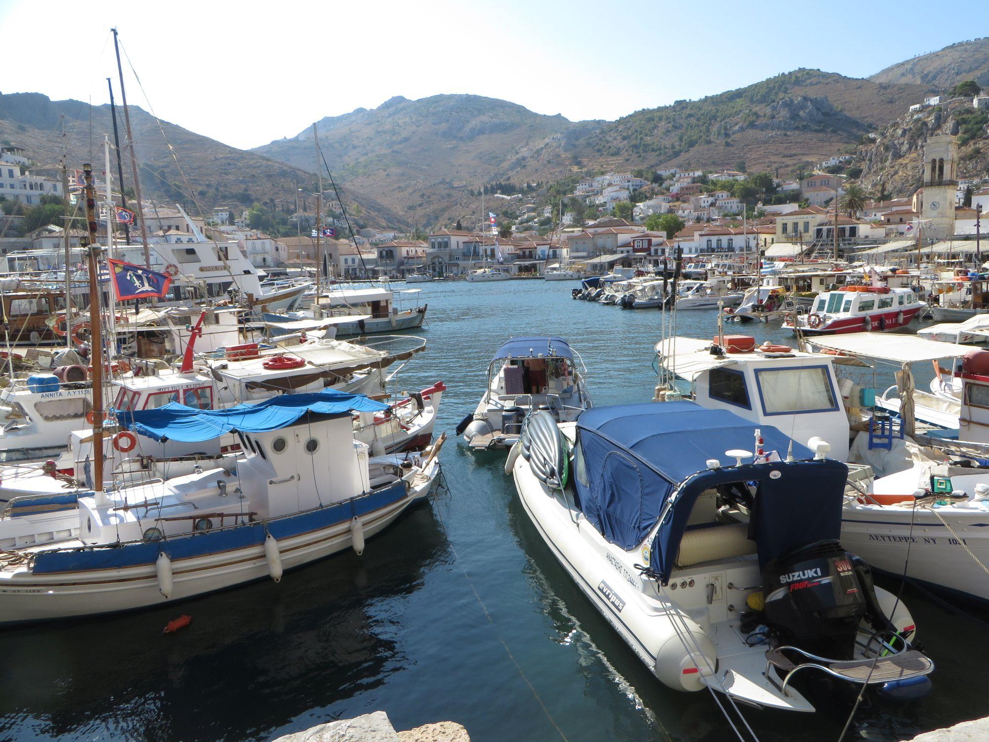 Le Port achalandé de Hydra: