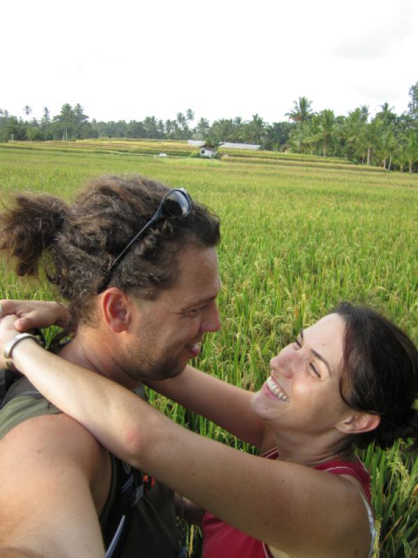 Amoureux dans un endroit romantique