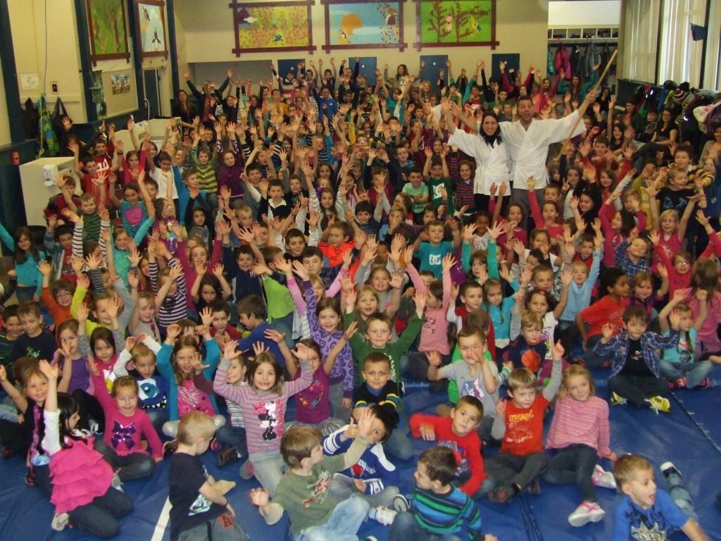 Avec 267 écoliers de l'école primaire de Kennebec en Beauce